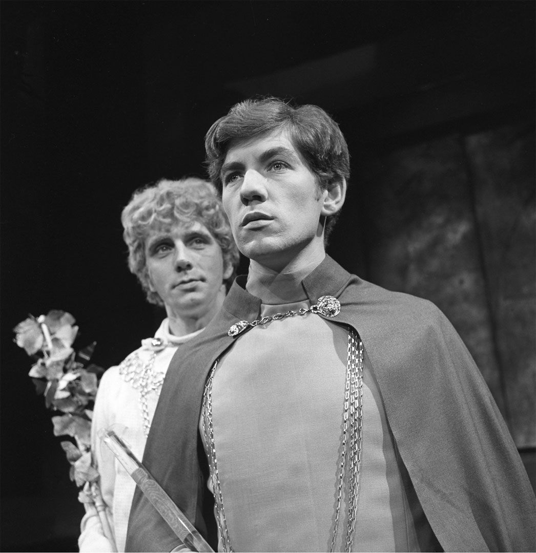Desmond Gill as Dionysus and Ian McKellen as Pentheus