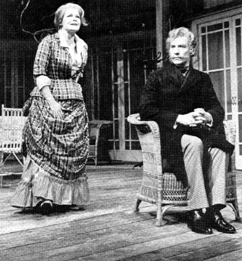Lona (Judi Dench) and Bernick (Ian McKellen)<br><em> </em>