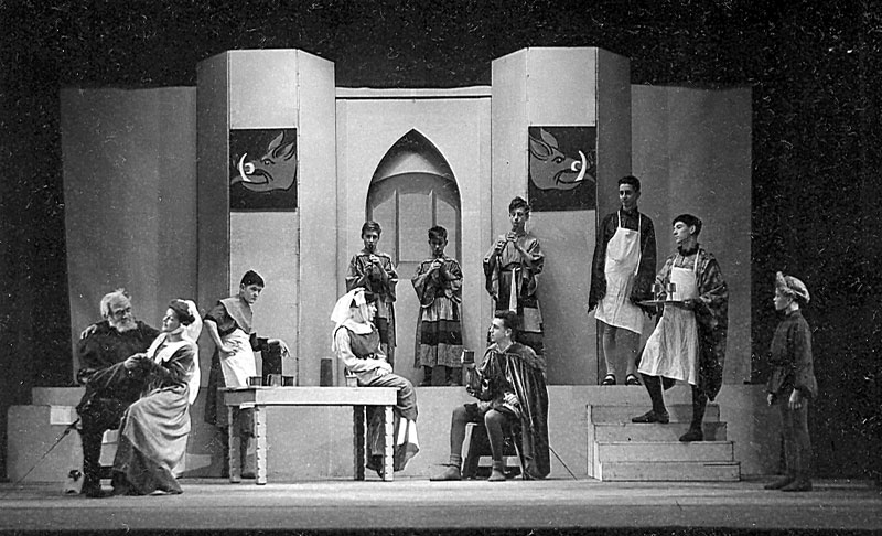 Act II, Scene 4 (Ian McKellen on steps right)<br><em>Percy C Rising</em>