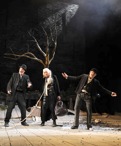 Patrick Stewart, Ronald Pickup, and Ian McKellen  in Waiting for Godot