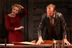 Yelena (Cate Blanchett) and Astrov (Hugo Weaving)
