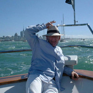 Reporting from Auckland Harbour, Ian McKellen, February 2000