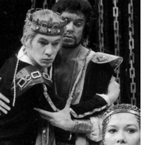 Edward II (Ian McKellen), Gaveston (James Laurenson), and Queen Isabella (Diane Fletcher)