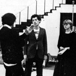 1976, THE WINTER'S TALE: Claire Lunghi (Perdita), John Barton (director), Ian McKellen (Leontes), Barbara Leigh-Hunt (Paulina), and Marilyn Taylerson (Hermione) in rehearsal at Royal Shakespeare Theatre, Stratford-upon-Avon