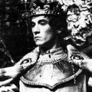 1969, RICHARD II: We were not born to sue, but to command (I.2.196)  - Photo by <a href='http://www.dundee.ac.uk/archives' target='_blank'>� Michael Peto Collection, University of Dundee</a>