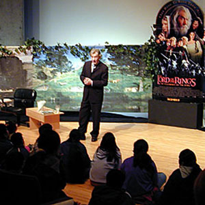 2002, THE LORD OF THE RINGS: THE FELLOWSHIP OF THE RING: Reading FOTR to LA schoolkids, Museum of Contemporary Art, Los Angeles, 19 January 2002  - Photo by Keith Stern
