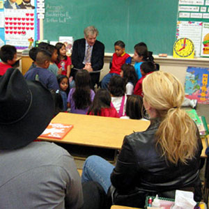 Ian McKellen reads to the kids at Hobart School (and Garth Brooks and Trisha Yearwood)