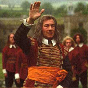 Will Gates (Ian McKellen) waves goodbye to his master, Merivel (Robert Downey, Jr.)