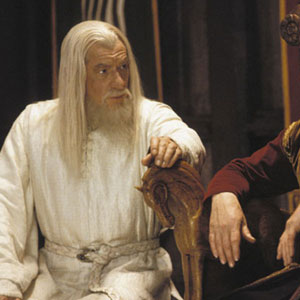 (Ian McKellen) Gandalf the White (left) advises King Theoden (Bernard Hill) of Sarumans threat to Rohan.