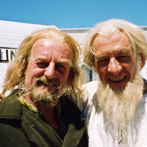2000, THE LORD OF THE RINGS: THE TWO TOWERS: With Bernard Hill at Camperdown Studios