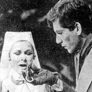 Nurse (Judi Dench) and Burglar (Ian McKellen)
