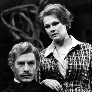 Bernick (Ian McKellen) and Lona (Judi Dench)