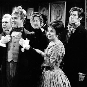 Episode 12, The Unmasking of Heep: Mr Dill (George Benson), Twaddles, Betsey Trotwood (Flora Robinson), Agnes, David (Ian McKellen)