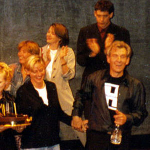25 May 1997, Surprise birthday party onstage at LA Theatre Works following performance: Kathy Bates, Jeff Burckhardt, Anne Heche, Emma Thompson, Ellen Degeneres, Annette Bening, Gregory Cooke, Ian McKellen