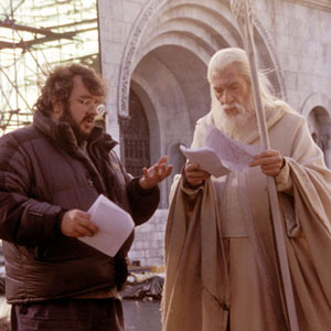 Peter Jackson discusses an upcoming scene with Ian McKellen (Gandalf) in New Line Cinemas epic film, The Lord of the Rings: The Return of the King.