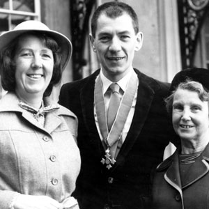 Gladys McKellen (step-mother), Ian McKellen (having just received C.B.E.) and Jean Jones (sister) outside Buckingham Palace, October 1979