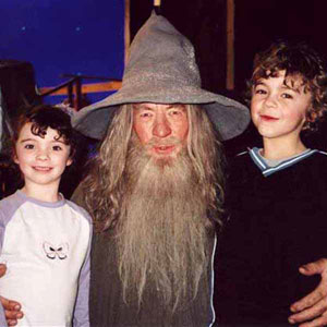 Ian McKellen (Gandalf) with co-stars Katie and Billy Jackson on the set of The Fellowship of the Ring, 2000