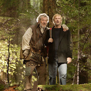 Gabriel (Ian McKellen) and Zack (Aaron Eckhart) in Neverwas.