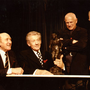 Lyceum Theatre, London,13  February 2006, with Ron Moody, statue of Henry Irving, Steven Berkoff, and Sir Donald Sinden for unveiling of historic plaque