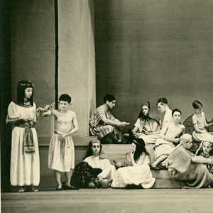 The market at Avaris: Do you see that woman? -- Potiphar (D Thomasson).  Ian McKellen far left