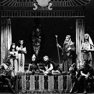 1961, CAESAR AND CLEOPATRA: Curt Dawson (Apollodorus) seated left: Yolande Bavan (Cleopatra ) and Alun Thomas (Caesar) centre: Ian McKellen (Major Domo) standing with staff and padding.