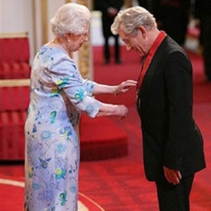 2008,   Queen Elizabeth bestows the Order of the Companions of Honour on Sir Ian McKellen, 25 June 2008  - Photo by Martin Keene, AP